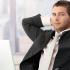 Бизнесмен размышляет над перспективами SMM-продвижения.